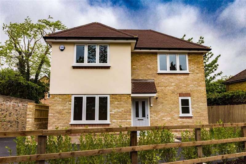 2 Bedrooms Detached House for sale in Lock Lane, Maidenhead, Berkshire