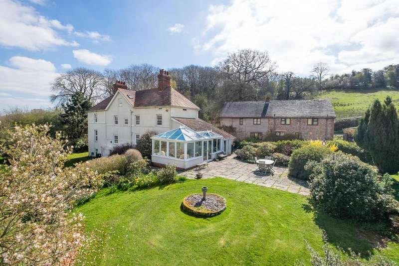 5 Bedrooms Detached House for sale in Clifford, Herefordshire - with cottages land