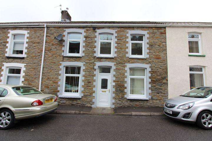 4 Bedrooms Terraced House for sale in Brooklyn terrace, Llanhilleth. NP13 2RF.