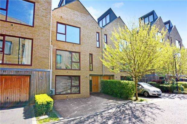 4 Bedrooms Terraced House for sale in Kings Mill Way, Denham, Uxbridge