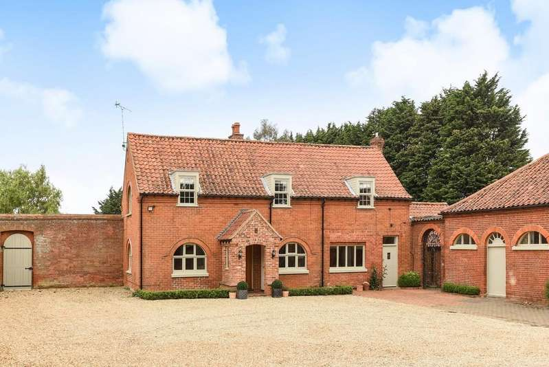 5 Bedrooms Detached House for sale in Heacham