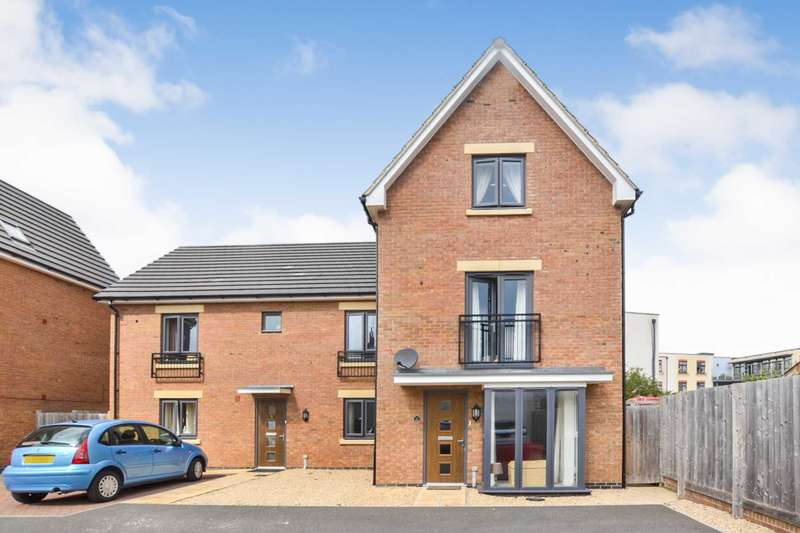 4 Bedrooms Town House for sale in Prestbury Close, Cheltenham, Gloucestershire