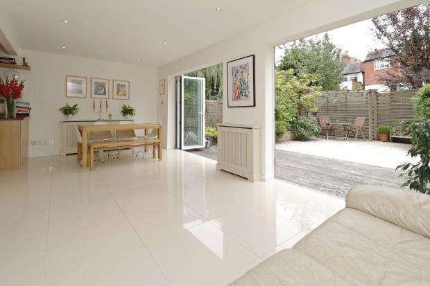 5 Bedrooms House for sale in Bramalea Close, Highgate Village, London, N6