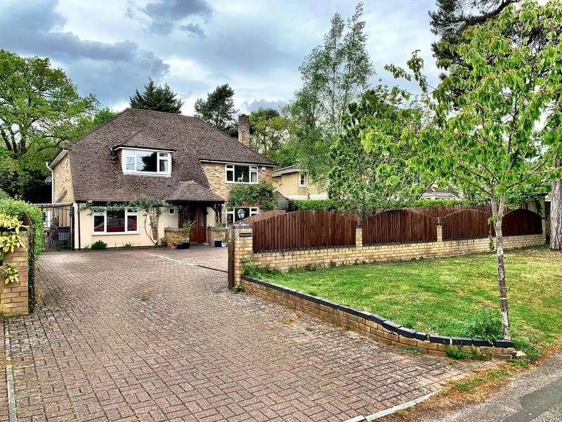 4 Bedrooms Detached House for sale in Green Lane, Farnham Common