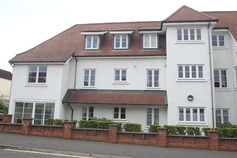 1 Bedroom Ground Flat for sale in Henleaze Road, Henleaze, Bristol BS9 4NF