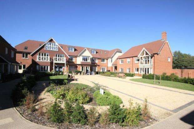 1 Bedroom Flat for sale in Hammond Way, Yateley, Hampshire