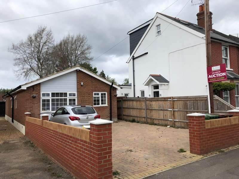 4 Bedrooms Bungalow for sale in 65 College Road