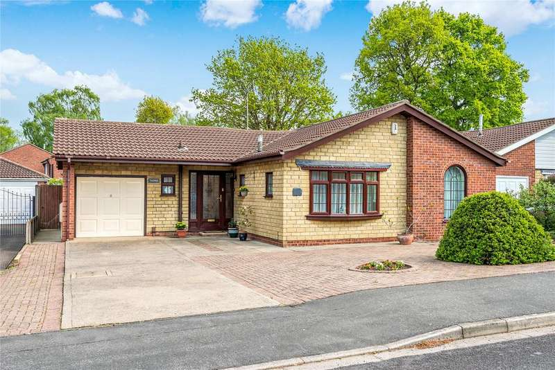 3 Bedrooms Detached Bungalow for sale in Malham Drive, Lincoln, LN6