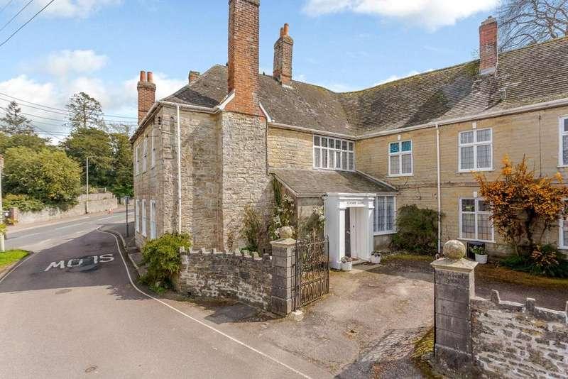 4 Bedrooms Terraced House for sale in Coombe Lane, Axminster, Devon