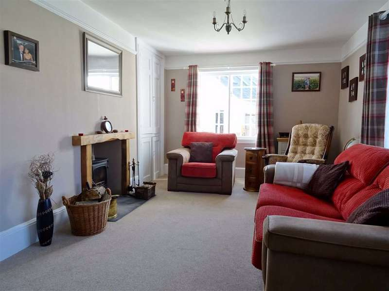 5 Bedrooms Detached House for sale in Castle Road, Carisbrooke, Isle of Wight