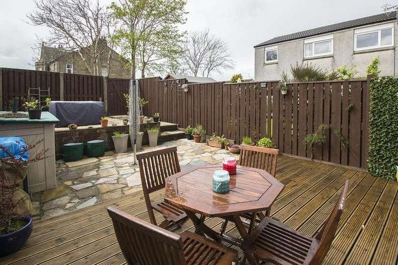 3 Bedrooms End Of Terrace House for sale in Cutsburn Place, Stewarton KA3