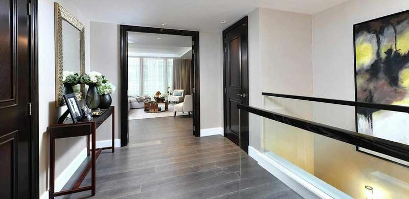 3 Bedrooms Apartment Flat for sale in Warwick Road, Kensington, London W14