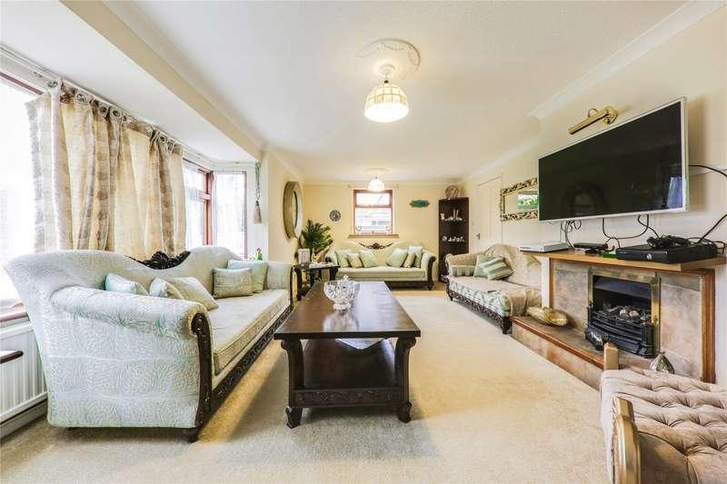 3 Bedrooms Detached Bungalow for rent in Pine Drive, Finchampstead, Wokingham, Berkshire, RG40