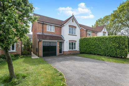 3 Bedrooms Detached House for sale in Fron Heulog, Hawarden, Deeside, Flintshire, CH5