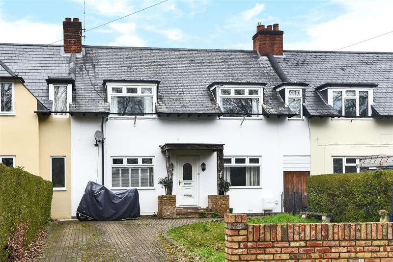 3 Bedrooms Terraced House for sale in Lower Broadmoor Road, Crowthorne, Berkshire, RG45