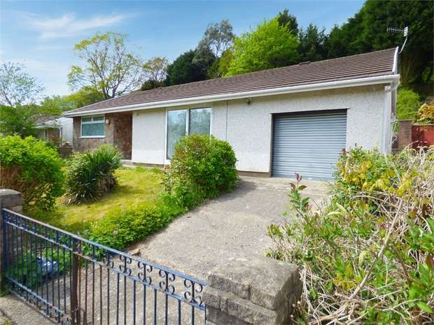 3 Bedrooms Detached House for sale in Cae Siriol, Porth, Mid Glamorgan