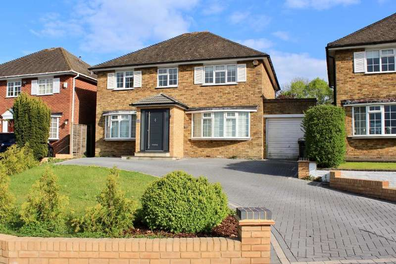 4 Bedrooms Detached House for sale in Blanche Lane, South Mimms, Potters Bar, Herts, EN6 3PA