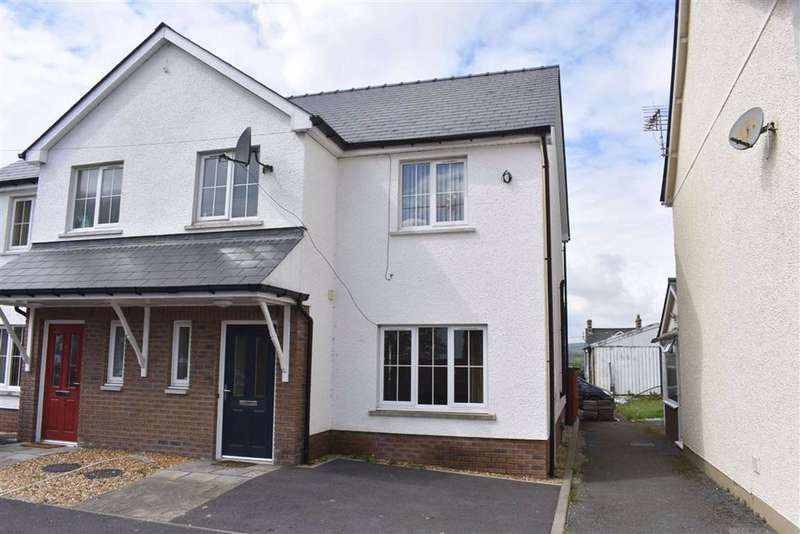 3 Bedrooms Semi Detached House for sale in Llanybydder