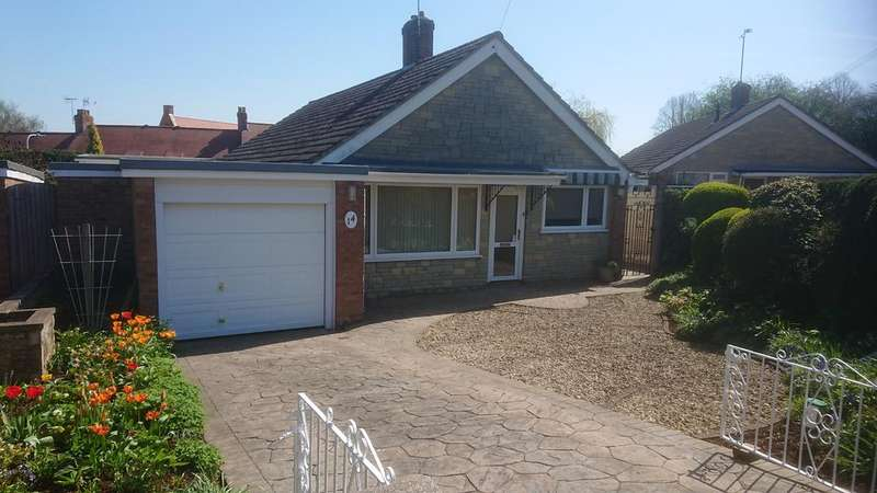 4 Bedrooms Detached Bungalow for sale in Sarum Way, Hungerford RG17
