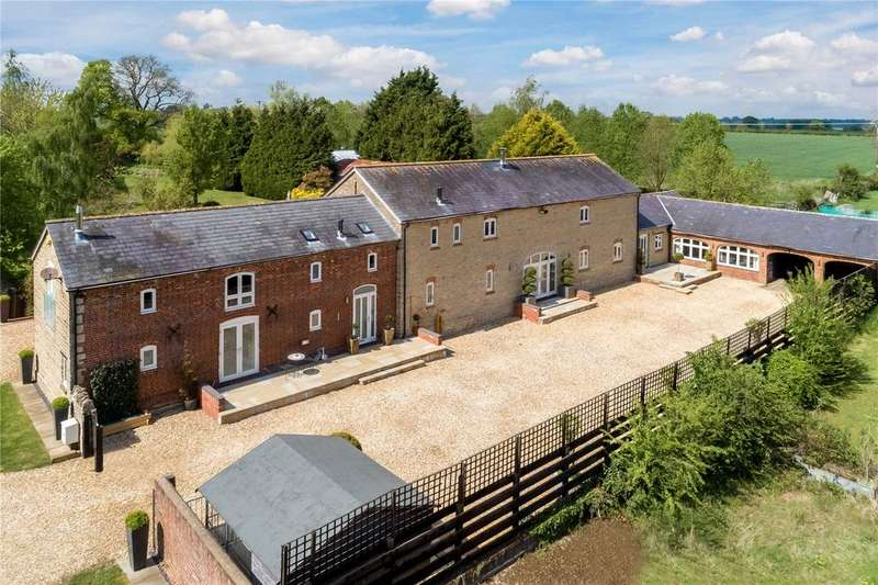 5 Bedrooms Detached House for sale in Nr Brackley, Northamptonshire