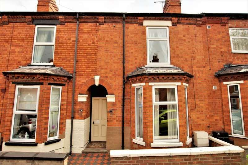 3 Bedrooms Terraced House for sale in Nelthorpe Street, Lincoln