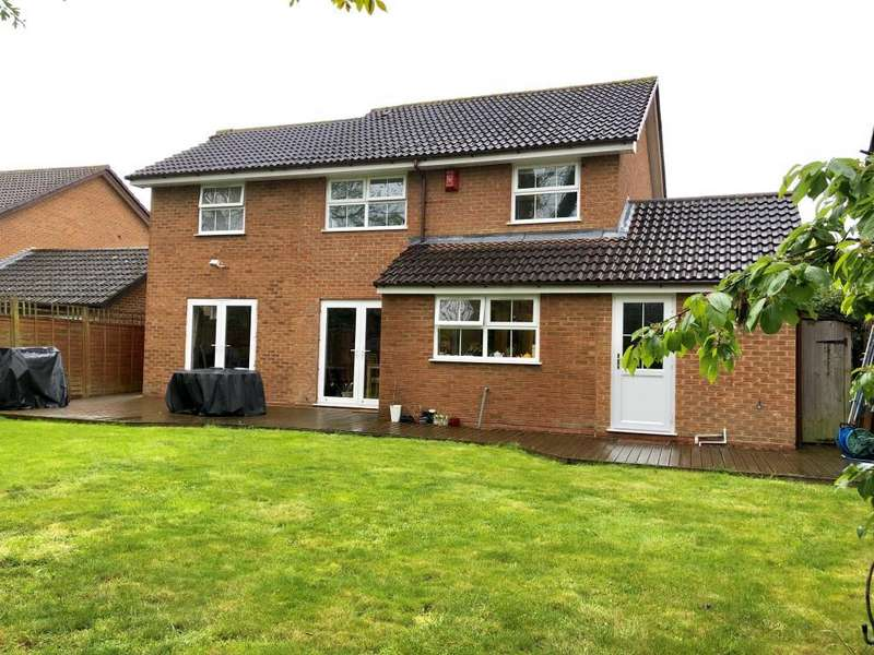 5 Bedrooms Detached House for sale in Firmstone Close, Lower Earley, RG6