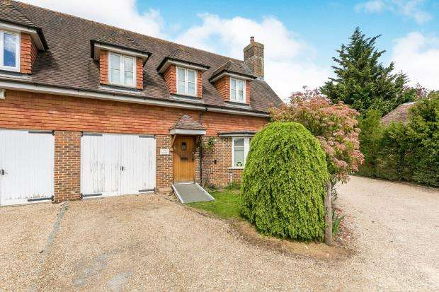 3 Bedrooms End Of Terrace House for sale in Cobbett Hill Road, Normandy, Guildford