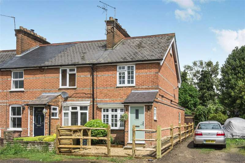 3 Bedrooms End Of Terrace House for sale in Heathill Cottages, Heath Hill Road South, Crowthorne, Berkshire, RG45
