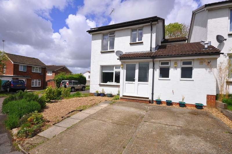 4 Bedrooms Link Detached House for sale in Ringwood, BH24 1XZ