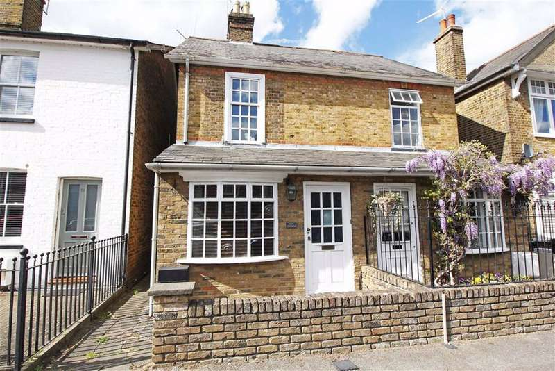 2 Bedrooms Semi Detached House for sale in Bury Road, Old Harlow