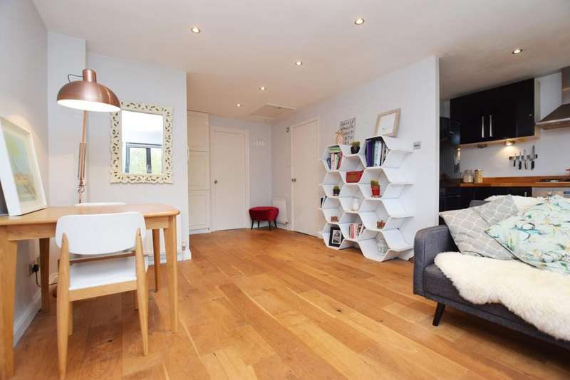1 Bedroom Flat for sale in Allendale Close Camberwell SE5