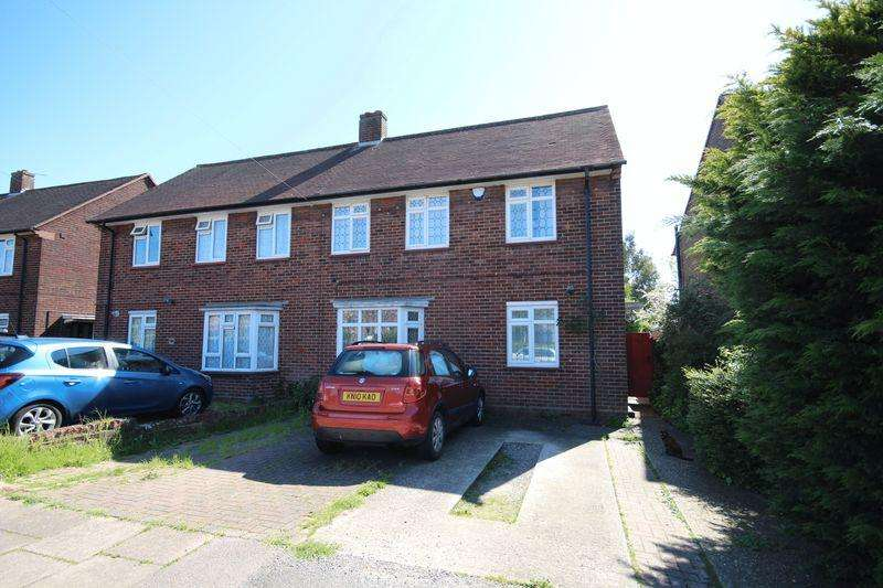 3 Bedrooms Semi Detached House for sale in Round Green