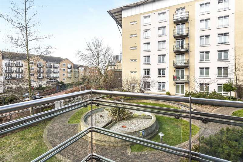 2 Bedrooms Apartment Flat for sale in The Meridian, Kenavon Drive, Reading, Berkshire, RG1