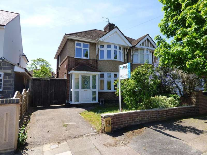 3 Bedrooms Semi Detached House for sale in Harewood Road, Bedford, MK42 9TG