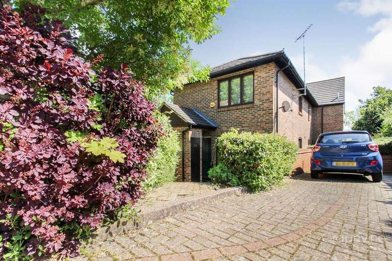 1 Bedroom Maisonette Flat for sale in Gooch Close, Twyford, Reading