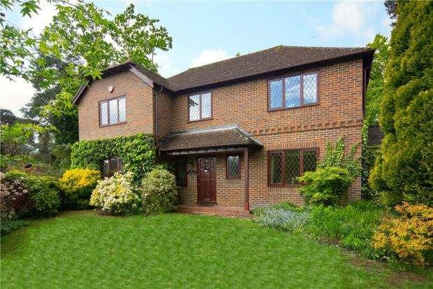 4 Bedrooms Detached House for sale in Thibet Road, Sandhurst, Berkshire