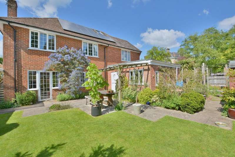 4 Bedrooms Detached House for sale in Westfield Close, Wimborne