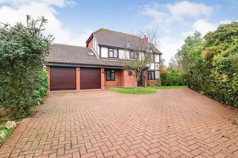 5 Bedrooms Detached House for sale in Hawthorn Road, Hatfield Peverel, Chelmsford