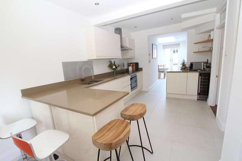 3 Bedrooms Detached House for rent in Langborough Road, Wokingham