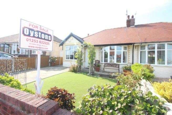 2 Bedrooms Bungalow for sale in Bryning Avenue, Bispham, Blackpool, Lancashire, FY2 9LU