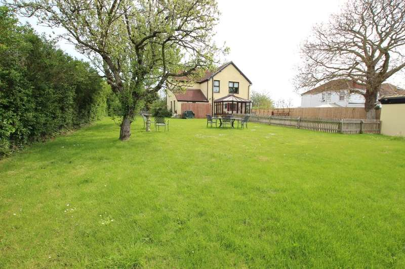 3 Bedrooms Detached House for sale in White Cross, Hallatrow, Bristol, BS39