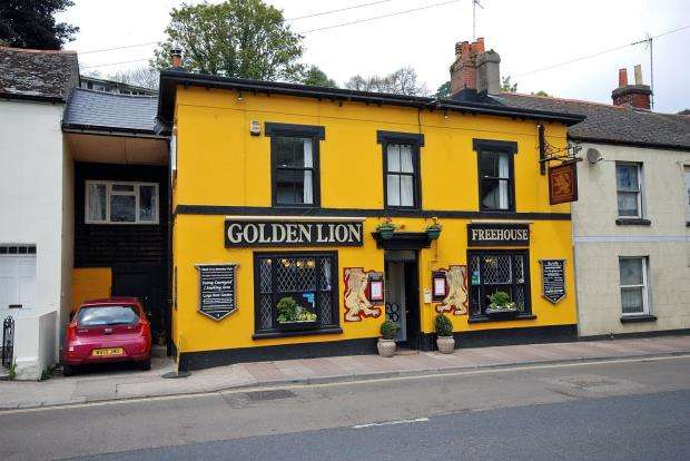 4 Bedrooms Commercial Property for sale in New Road, Brixham, Devon