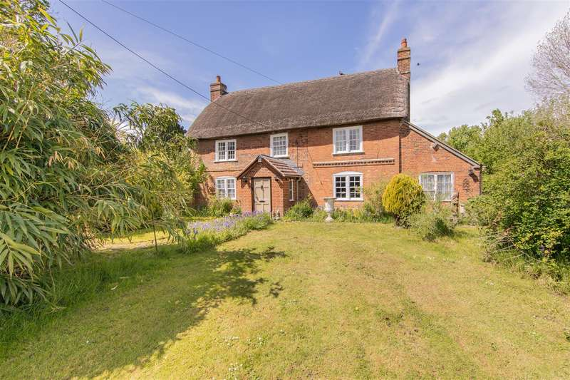 4 Bedrooms Detached House for sale in Lydeway, Devizes