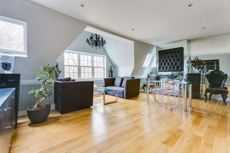 2 Bedrooms Flat for sale in Chiswick High Road, London, London, W4