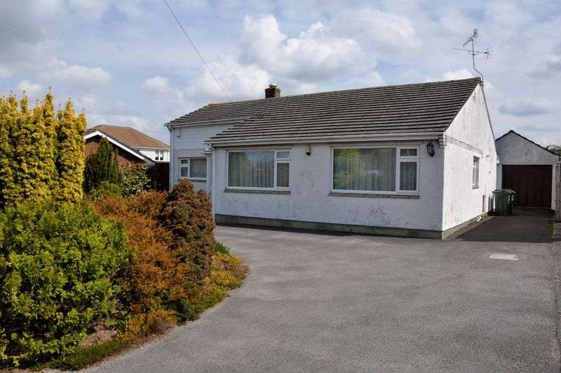 3 Bedrooms Property for sale in St. Johns Road, Backwell