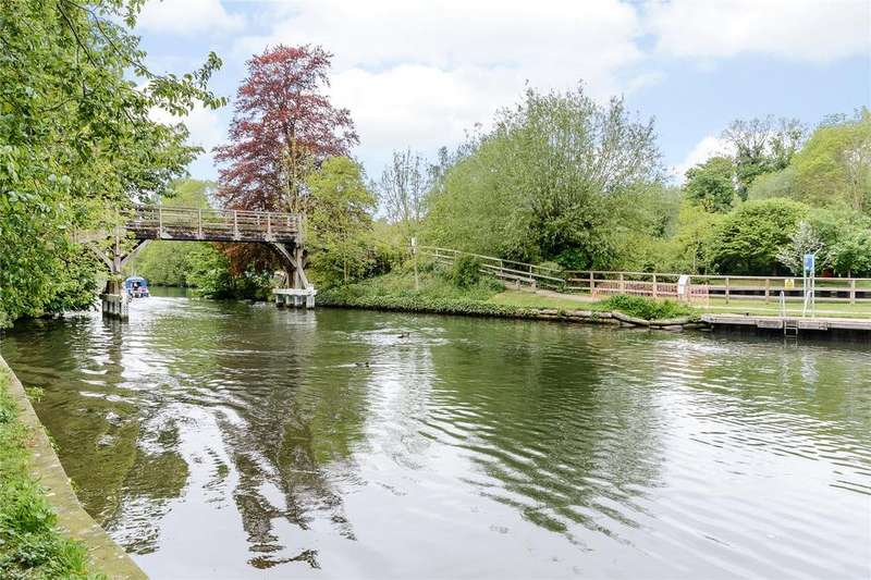 4 Bedrooms Detached House for sale in High Street, Hurley, Maidenhead, Berkshire, SL6