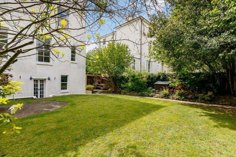 3 Bedrooms Apartment Flat for sale in Westfield Park, Redland