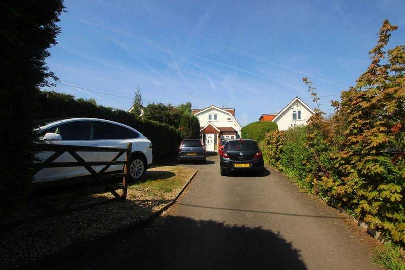 4 Bedrooms Detached House for sale in Colemans Moor Road, Reading