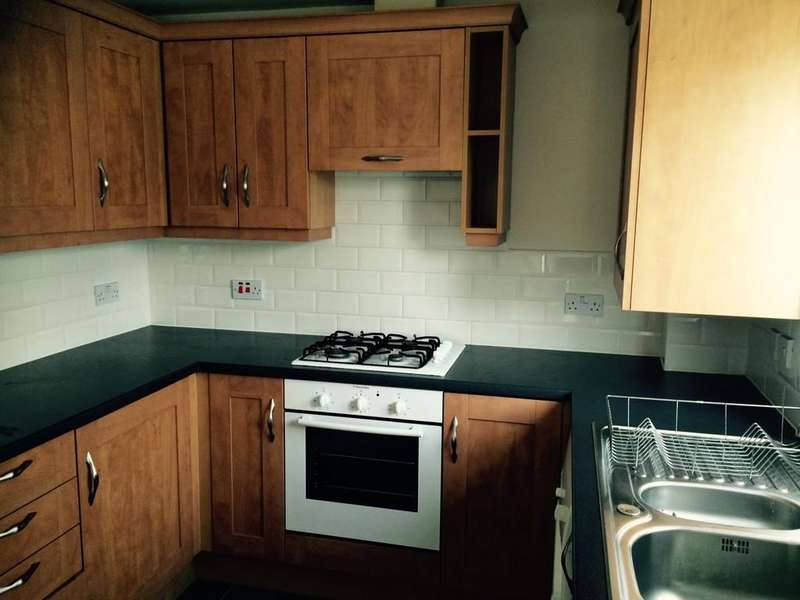 2 Bedrooms Apartment Flat for sale in Pankhurst Close, Blackburn