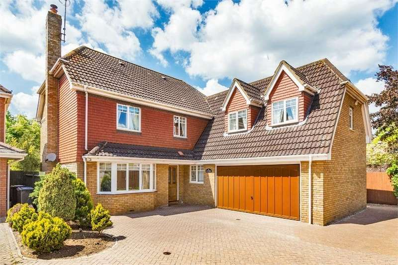 5 Bedrooms Detached House for sale in Willow Wood Close, Burnham, Buckinghamshire